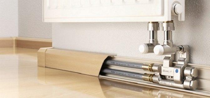 Как закрыть трубы отопления в доме?